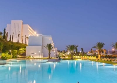 slide-home-piscina-grand-luxor-allsuites-hotel